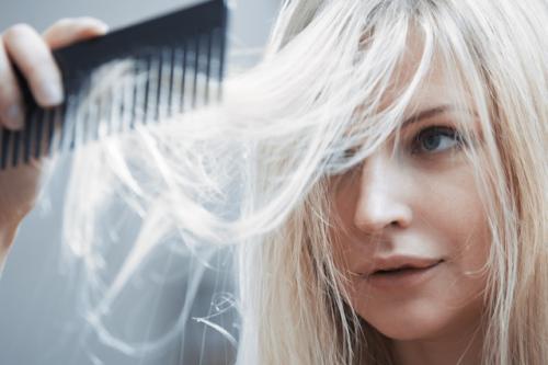 不要染发,要健康的养发来预防白发