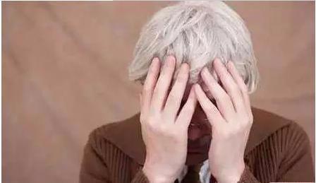 如何解决白发变黑发的注意事项
